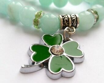 Chalcedony bracelet with clover leaf.