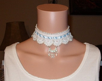 Crocheted and beaded choker