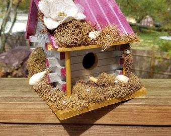 Log Cabin Birdhouse
