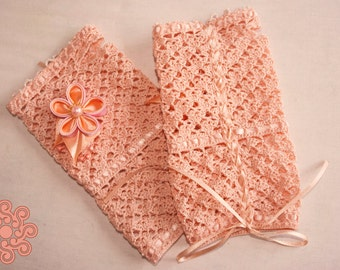 Peach crocheted laced mittens
