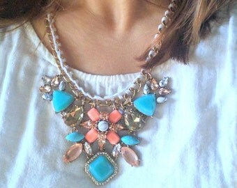 Chunky Statement Necklace / Statement Necklace / Bib necklace / Fashion jewelry / Wedding jewelry /Bridesmaid necklace