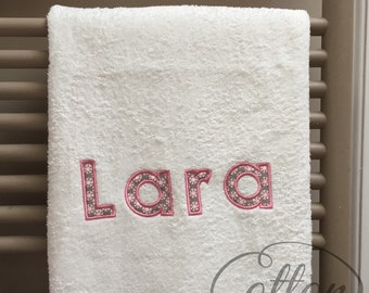Personalised applique towel with your choice of name.