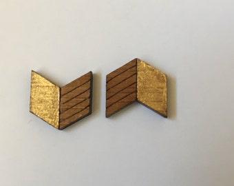 Gold Arrow Gloss Studs