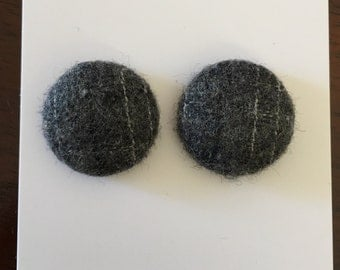 20mm Grey Flannel Fabric Studs