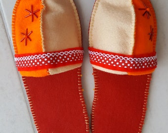 Felt finches 1001 - beige red orange - - with anti slipping sole