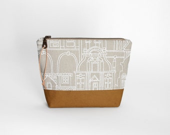 Case / universal bag taupe Cognac / Häuserprint / canvas