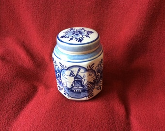 Delft Blue and White Mustard Jar with lid appx 90mm tall