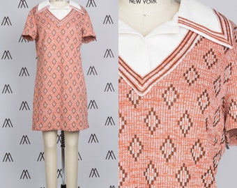 1970s Knit Collared Short Sleeve Diamond Pattern Dress