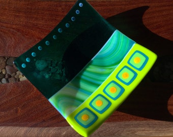 "Fused Glass Plate – 8"" Square Green"