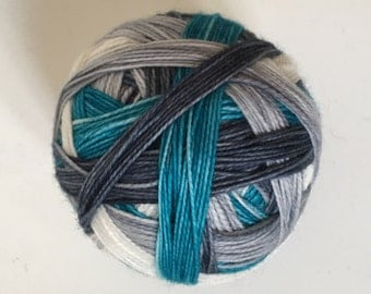 Sock yarn: 'Winter is coming' (4 colours, self striping)