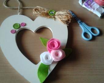 Ivory Hanging Heart with felt roses