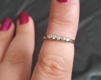 18k white gold and diamond band