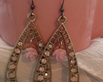 Pink chandelier earrings with rose detail