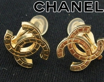 Authentic CHANEL Tile CC Logo Vintage Clip-On Earring 05P Gold Plated