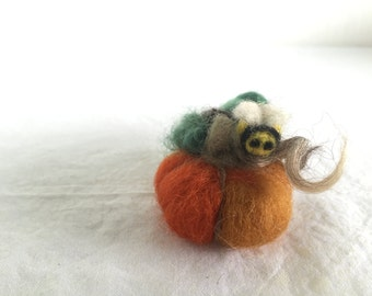 Needle Felted Fall Pumpkin, Felted Wool Pumpkin, Fall Decoration, Harvest Decor, Thanksgiving Decor, Size Small