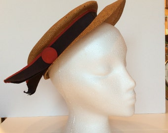 1940s Straw hat with brim and grosgrain band damaged