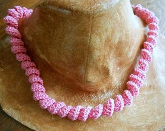 Crochet twist necklace