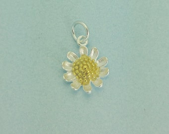 Sterling silver Daisy Charm. 925 Sterling Silver Daisy Pendant. Perfect for necklace.