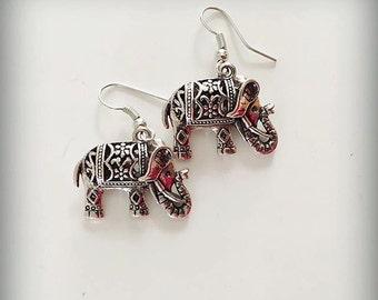 Elephant Silver Dangle Earrings / Animal Earrings / Elephant Earrings / Cute Earrings