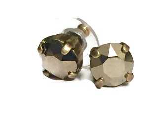 8mm Metallic Gold Stud Earrings