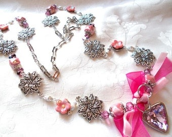 long necklace old pink on antique silver, Czech beads, Crystal and velvet
