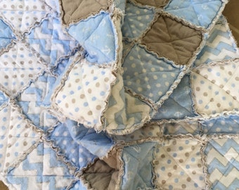 Blue and gray flannel rag quilt