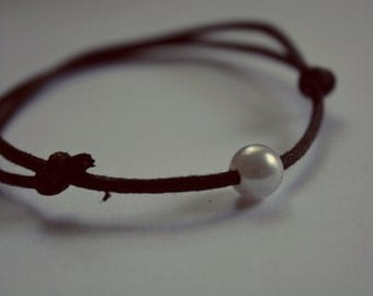Lovely Single Pearl Necklace