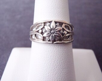 Sterling Silver Flower Band Ring RR60