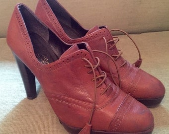 Quality Leather Brogue size 6