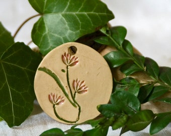 Jewellery / pendants / stoneware / delicate flowers / colors / handmade / great gift
