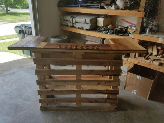 Items similar to pallet bar variation 2 on etsy for Europaletten bar