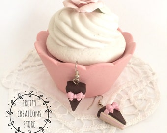 Cake earrings with pink bow