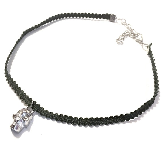 Choker | Dark green | Skull | Perfect for Halloween | Fall | Autumn | Gifts | Gift | SKULLY