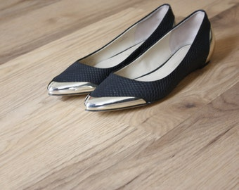 Enzo Angionlini Leather Flats