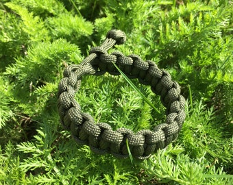 "Paracord Bracelet Style ""Mad Max Fury Road"""