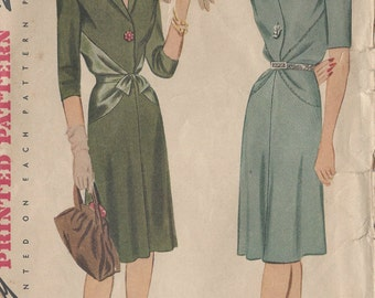 1943 WW2 Vintage Sewing Pattern DRESS B30 (104) Simplicity 4862