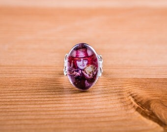 Ring the Mad Hatter / the Mad Hatter Ring / jewelry / Alice in the Wonderland Cabochon / Alice in Wonderland / Johnny depp