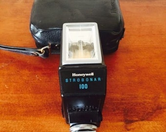 Vintage Honeywell Electronic Flash, Strobonar 100 With Carry Case, Vintage Camera,  Photography, Flash Gun, Camera Accessories,Honywell,