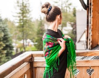 GREEN FOLK SHAWL, vintage shawl, folk shawl, flower shawl