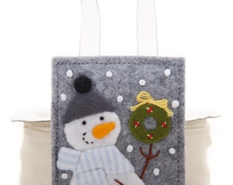 Country Snowman, Handmade Felt Ornament, Small Felt Wreath, Hand Embroidered, Striped Flannel Scarf, Holiday Decoration, Christmas In July