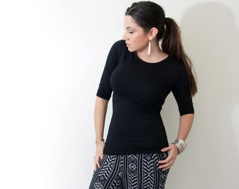 Quarter Length Sleeve Top • Close Fit • Elbow Sleeve Shirts • Women's Tops • Clothing (No. 541)