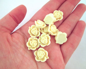 10 15mm buttermilk yellow rose cabochons