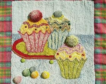 RUGHOOKING_Yum Yum Cupcakes