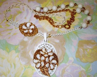 White Metal Flower and leaf Pendant Asymmetrical Necklace