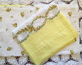 Vintage Pillowcases - Cotton Feedsack Border Fabric - Yellow - Flowers - Standard Size - New - NOS