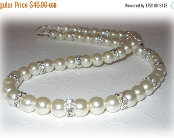 ON SALE 15% OFF Jacqueline Necklace in Ivory