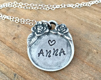 Name necklace - Personalized name necklace- Name Jewelry- Mom Jewelry - Child Name Necklace- Gift for Her - Pretty with Flowers and Heart