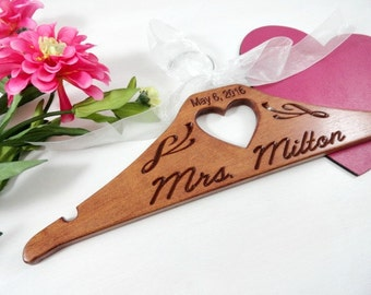 Personalized Bridal Hanger - Customized Hanger - Handmade - Engraved - Getting Ready - Shower Bridal - Hangers Personalized - Date Hanger