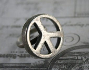 Peace sign ring silver finish size 7.5  7 1/2
