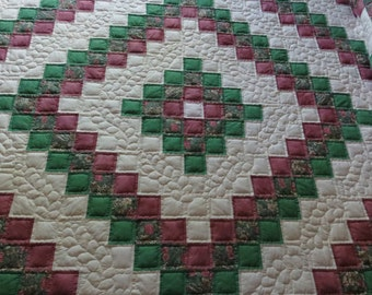 Handmade Quilt, Hand Quilted Quilt, Trip Around The World Quilt, Sunshine and Shadows,  Queen Size Quilt, 100%  cotton fabric,   Quilting